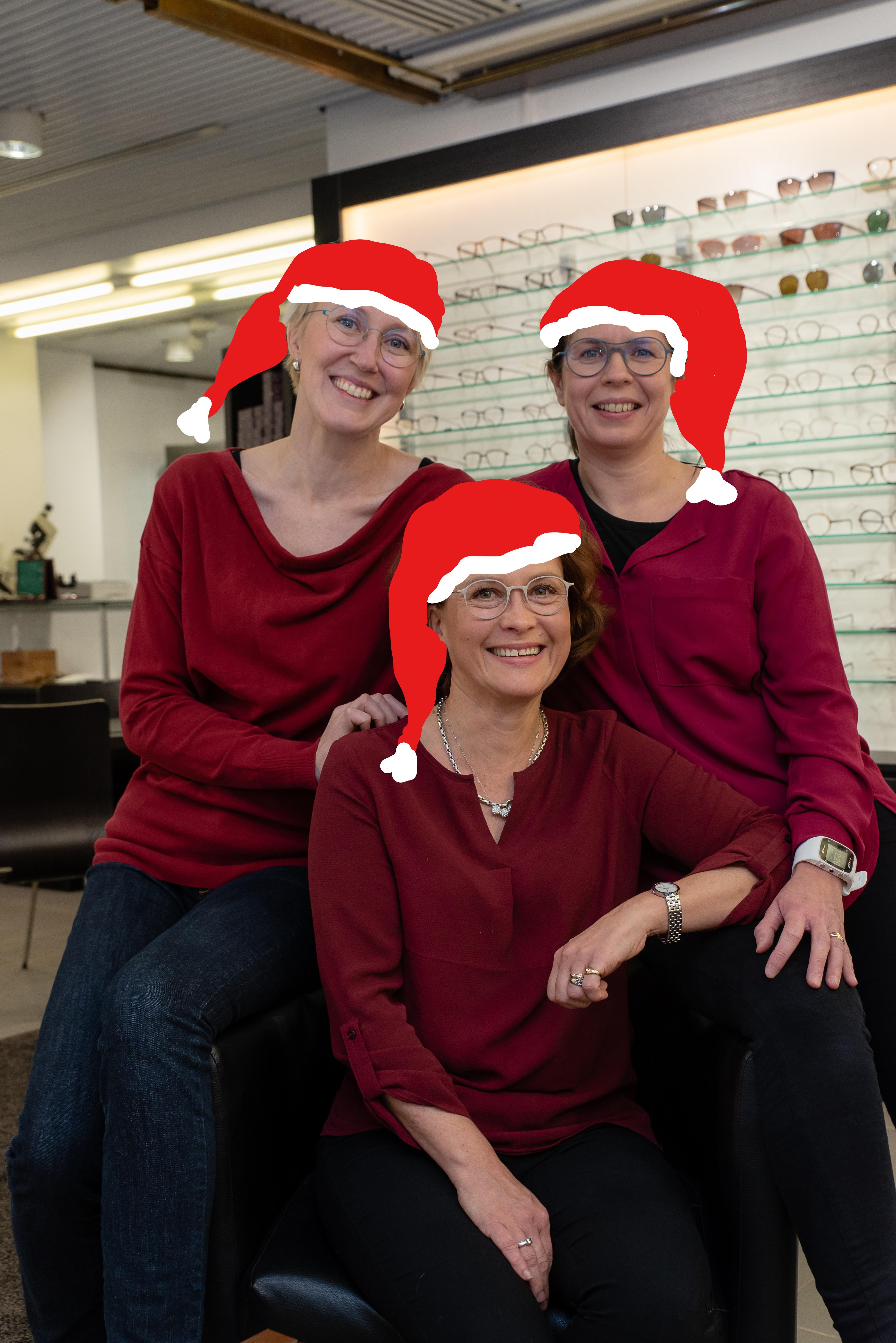 Hyvää joulua toivottavat Optiicatin tontut!